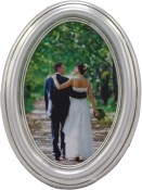 Classic Silver Leaf Oval Frame