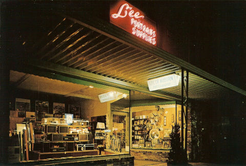 lee-of-auburn-store-front.jpg