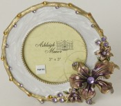 White Corsage Round Picture Frame